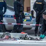 """Podpalił się w Pradze, """"chciał odejść jak Palach"""". 54-latek w ciężkim stanie"""