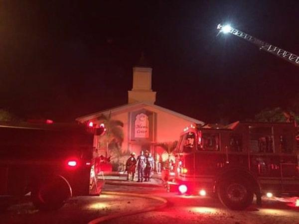 Podpalony meczet /EPA/ST LUCIE COUNTY SHERIFF'S OFFICE /PAP/EPA