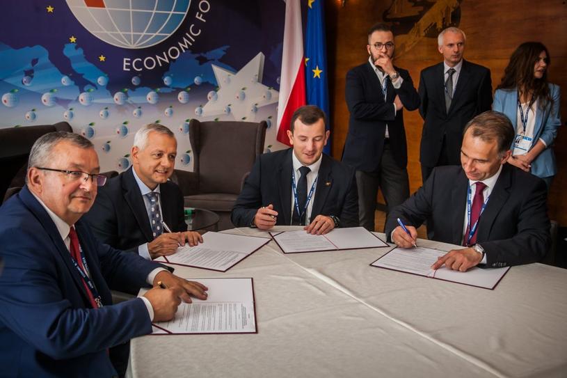 Podpisanie przez Polskę i Litwę listu intencyjnego dotyczącego budowy Via Baltica /Ireneusz Rek /INTERIA.PL