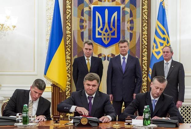 Podpisanie umowy Chevronu z władzami Ukrainy w sprawie wydobycia gazu łupkowego /AFP