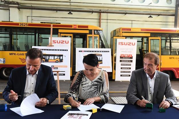 Podpisanie umowy w zajezdni MPK w Łodzi /PAP