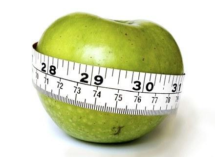Podpowiadamy, czego unikać i co robić, aby jak najszybciej zrzucić zbędne kilogramy /ThetaXstock