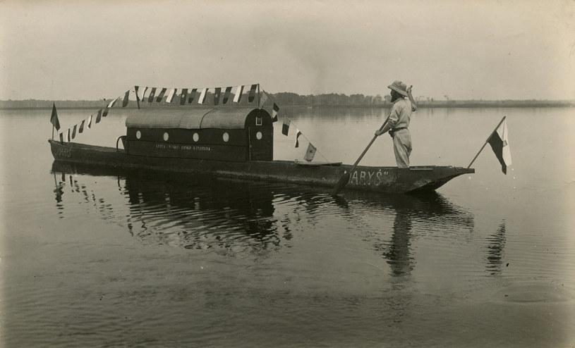 Podróż łódką Maryś po wodach Kassai, Kongo Belgijskie 1935 rok. Fot. ze zbiorów Fundacji im. Kazimierza Nowaka /Archiwum