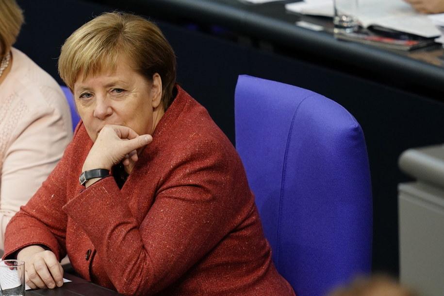 Podróż Merkel do Argentyny niespodziewanie trzeba było przerwać /ALEXANDER BECHER /PAP/EPA