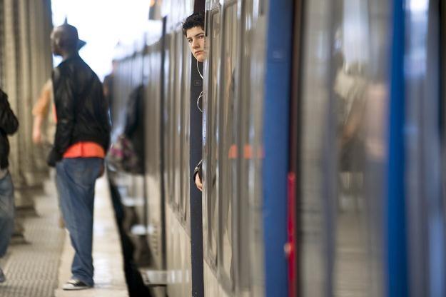 Podróż pociągiem nie musi być uciążliwa i droga /AFP