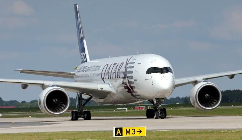 Podróż samolotem warto zaplanować - wtedy mamy szanse na spore oszczędności /WOLFGANG KUMM /PAP/EPA