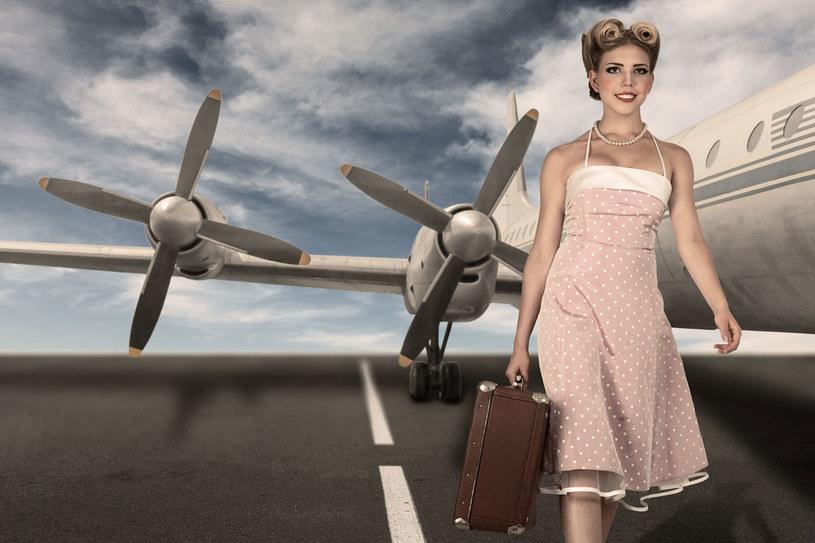 Podróże, zwłaszcza samolotem, to duże obciążenie dla skóry /123RF/PICSEL