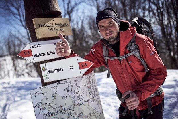 Podróżnik ma za sobą długodystansowe wędrówki m.in. przez Pireneje, Alpy, Iran, Izrael i Islandię fot.: Michał Grzywacz /
