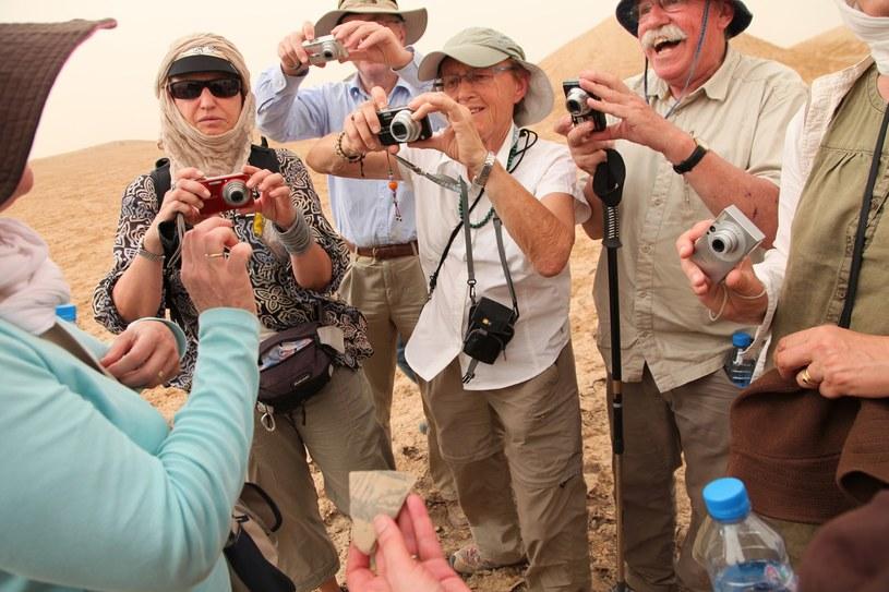 Podróżować trzeba umieć. I nie zawsze warto wyglądać, jak turysta... /AFP