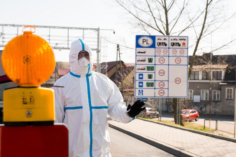 Podróżujących po Europie podczas II fali pandemii czekają utrudnienia. /Marek Szandurski /East News