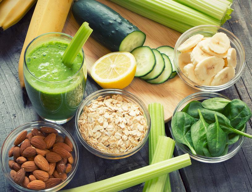 Podstawą diety Dash są warzywa i owoce /123RF/PICSEL