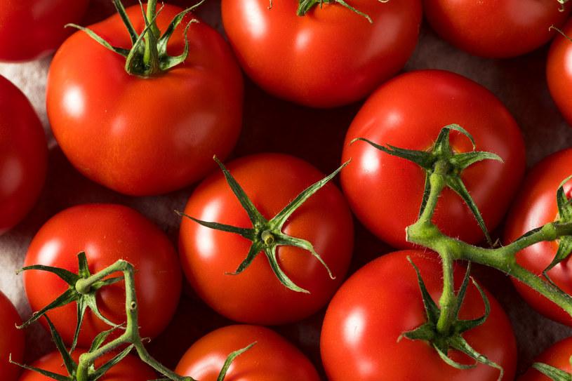 Podstawą passaty są pomidory, ale można dodawać do niej czosnek i zioła /123RF/PICSEL