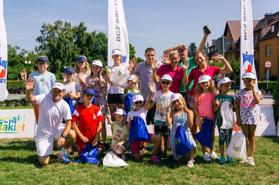 Podstawą zajęć tenisowych dla dzieci jest dobra zabawa. /Karolina Zajączkowska /materiały promocyjne