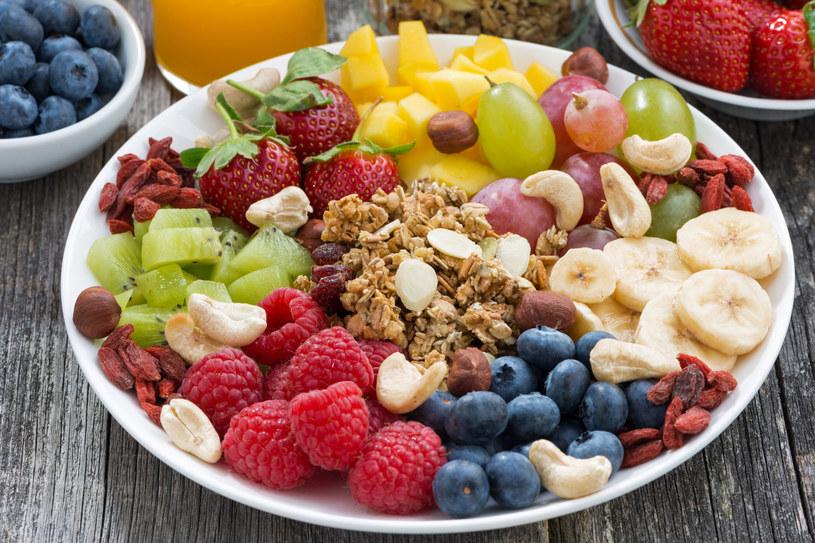 Podstawią zdrowej diety są zbilansowane posiłki /123RF/PICSEL