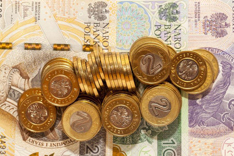 Podstawowy rachunek płatniczy (PRP) pozwoli zaoszczędzić na bankowych opłatach? /123RF/PICSEL