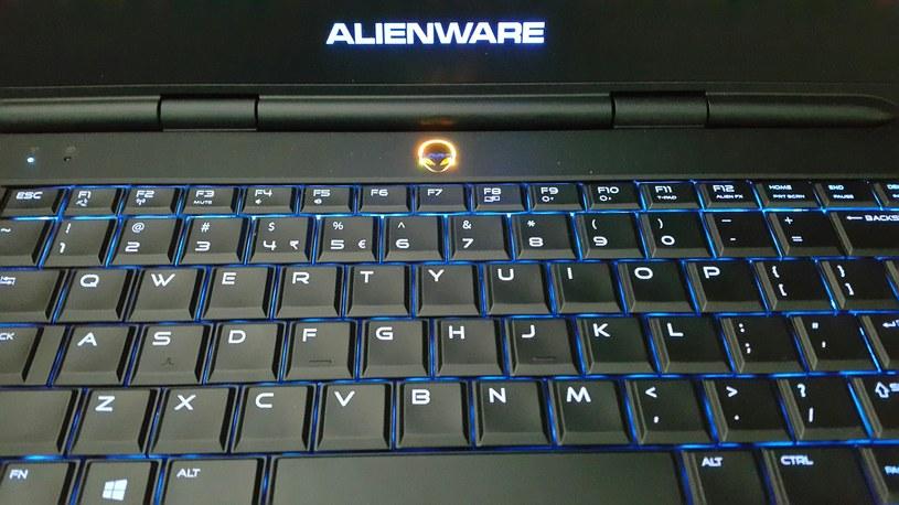 Podświetlana klawiatura prezentuje się naprawdę dobrze /INTERIA.PL