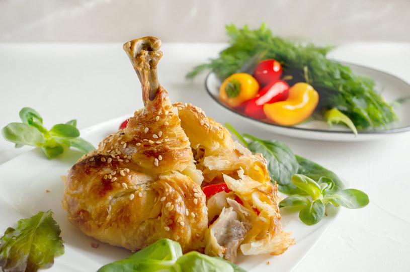 Podudzia z kurczaka w cieście /123RF/PICSEL