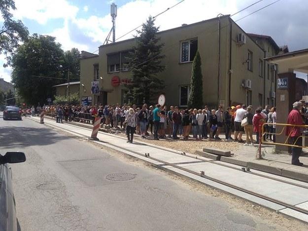 Podwójny rocznik w szkołach. W Sosnowcu gigantyczna kolejka przed Medycyną Pracy