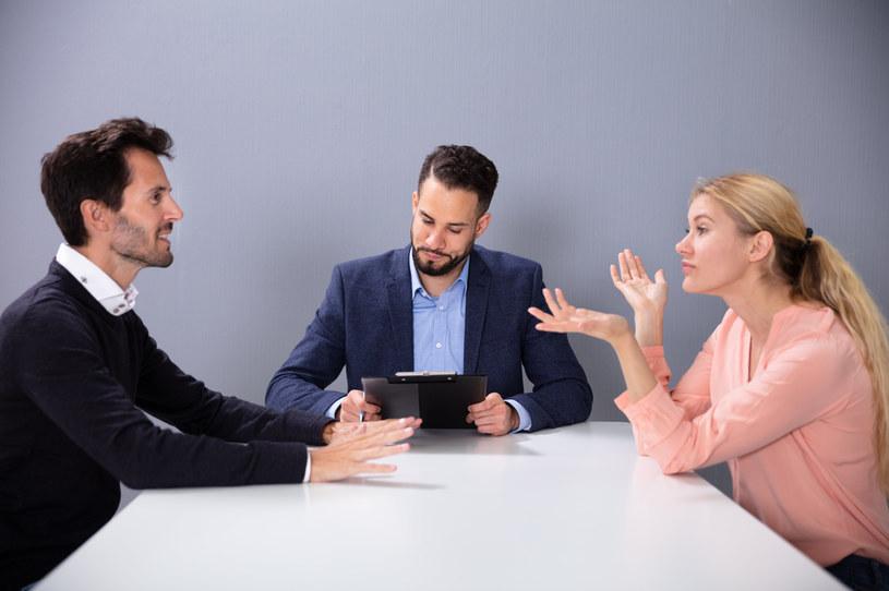 Podział majątku przy rozwodzie. Co zrobić, gdy do podziału są długi? /123RF/PICSEL