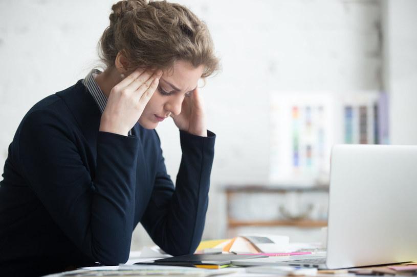 Pogarszająca się kondycja psychiczna pracowników to także problem firm, w interesie których jest zwrócenie uwagi na stan mentalny pracownika /123RF/PICSEL
