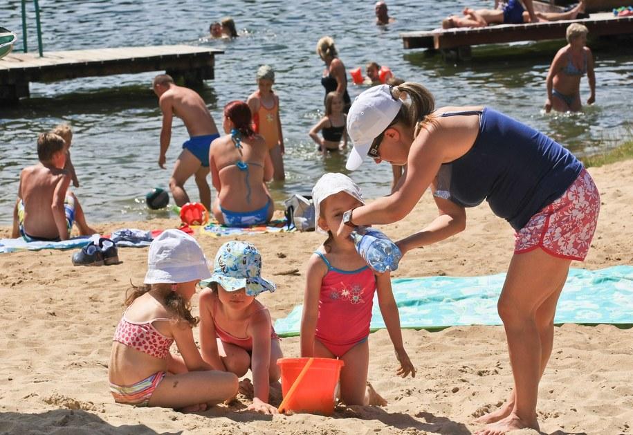 Pogoda zachęca do wypoczynku nad wodą /Lech Muszyński /PAP/EPA