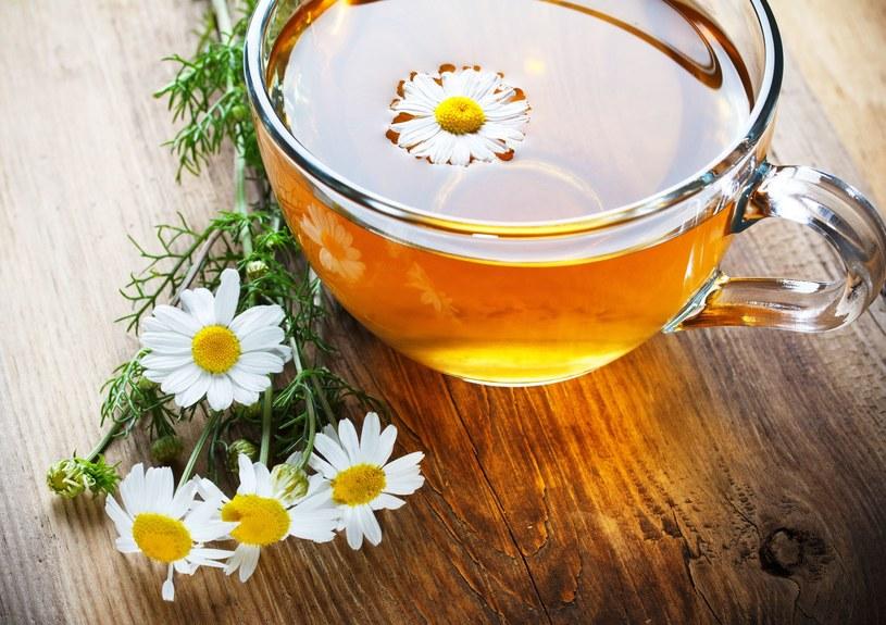 Pogodny dzień bez deszczu jest wymarzony na zbiór leczniczych kwiatów /123RF/PICSEL
