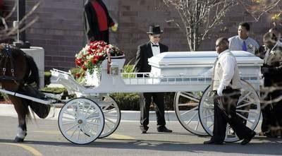 Pogrzeb członków rodziny Hudson/REUTERS/Frank Polich  /Agencja FORUM