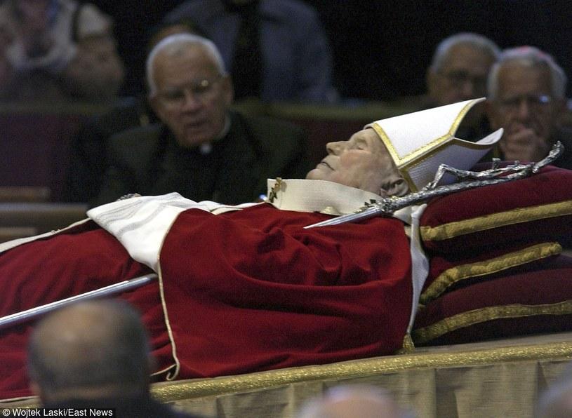 Pogrzeb Jana Pawła II odbył się w Watykanie /Wojtek Laski /East News