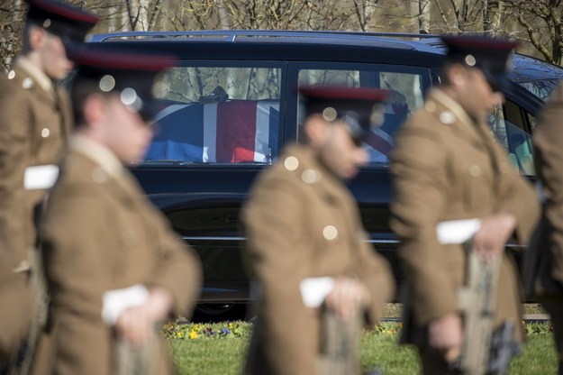 Pogrzeb kapitana Toma Moore'a. Trumna owinięta brytyjską flagą /BRITISH MINISTRY OF DEFENCE /PAP/EPA