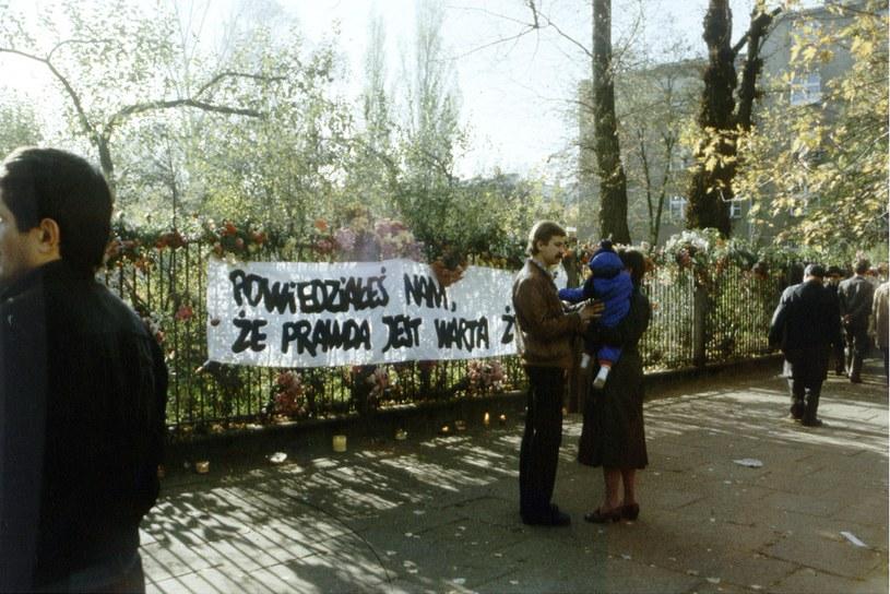 Pogrzeb ks. Jerzego Popiełuszki, zdj. archiwalne /Ze zbiorów Narodowego Archiwum Cyfrowego