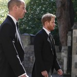 Pogrzeb księcia Filipa: Zaskakujące, co stało się z Harry'm i Williamem