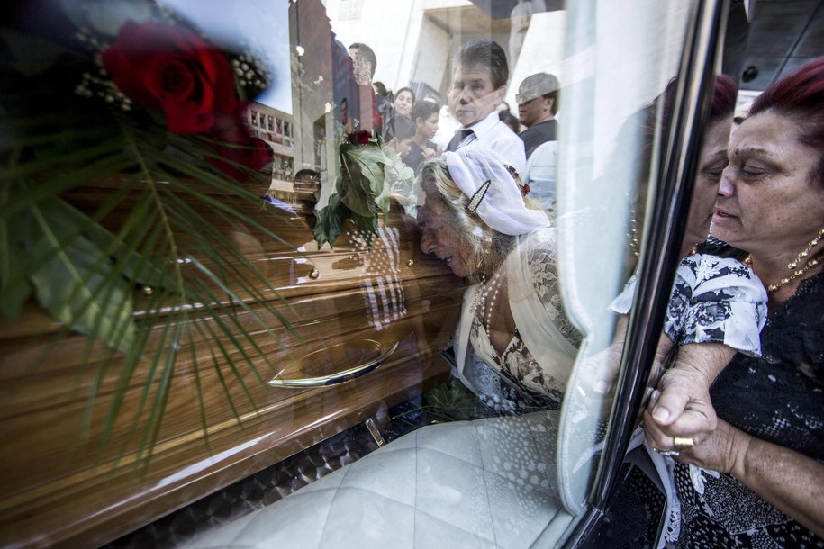 Pogrzeb mafioza odbył się w centrum Rzymu /MASSIMO PERCOSSI /PAP/EPA