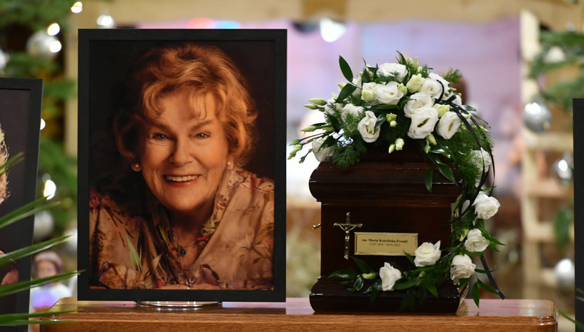 Pogrzeb Marii Koterbskiej w warunkach pandemii. Ostatnie pożegnanie damy polskiej piosenki