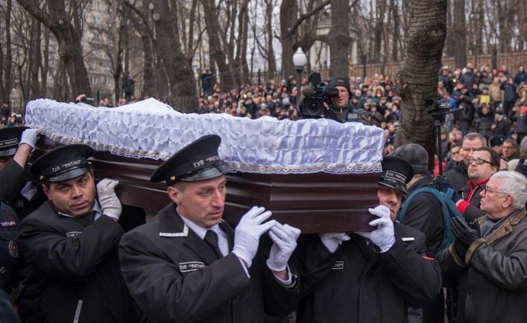 Pogrzeb Niemcowa /AFP