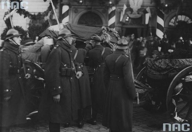 Pogrzeb Nieznanego Żołnierza w Warszawie /Z archiwum Narodowego Archiwum Cyfrowego