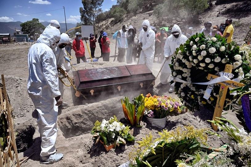Pogrzeb ofiary koronawirusa w Valle de Chalco w stanie Meksyk /Alfredo Estrella  /AFP
