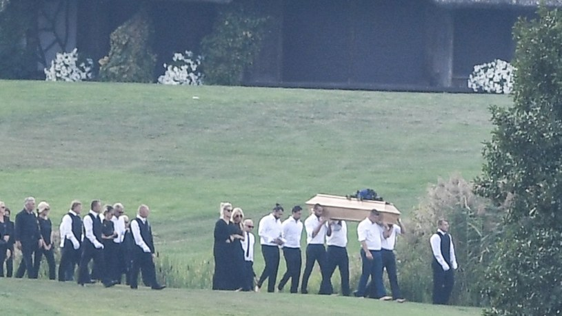 Pogrzeb Piotra Woźniaka-Staraka w rodzinnej posiadłości w Fuledzie na Mazurach /Alex Marcinowski /East News