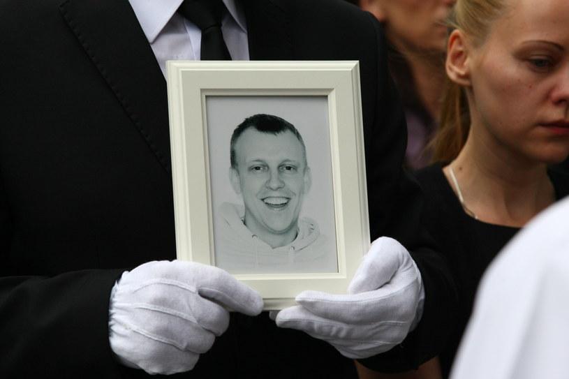 Pogrzeb śmiertelnie pobitego 32-letniego dziennikarza z Mławy Łukasza Masiaka /Marcin Bednarski /PAP