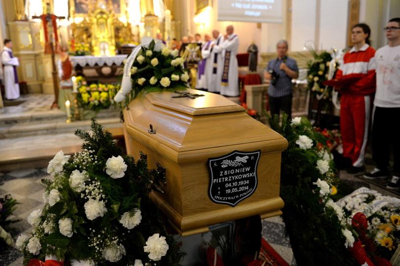 Pogrzeb Zbigniewa Pietrzykowskiego odbył się w Bielsku-Białej /fot. Jacek Bednarczyk /PAP