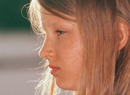 Poinformuj nauczycieli o dolegliwościach dziecka /INTERIA.PL