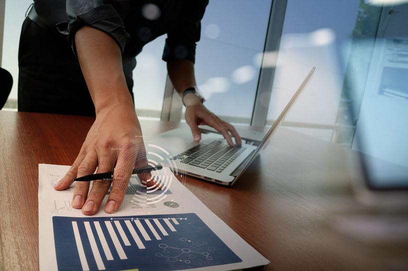 Pojawia się ryzyko nadmiernego ograniczenia akcji kredytowej /123RF/PICSEL
