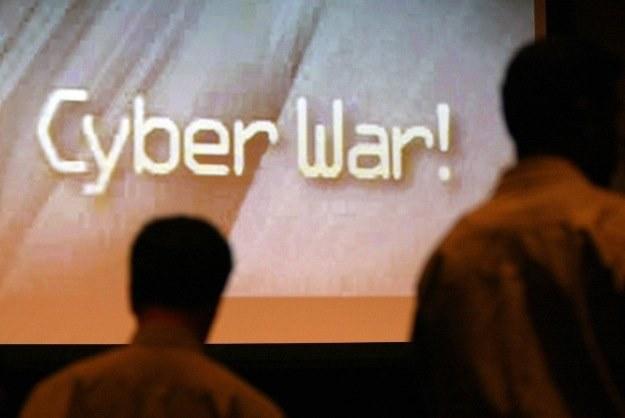 Pojawienie się robaka Stuxnet oznacza początek nowej ery cyberwojen /AFP