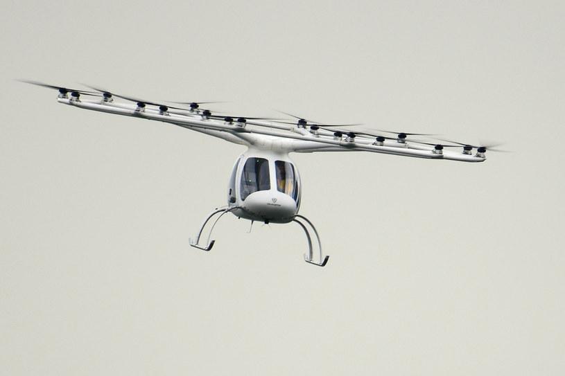 Pojazd jest zdatny do autonomicznego lotu, ale próbne przeloty odbyły się z pilotem /Xinhua News /East News