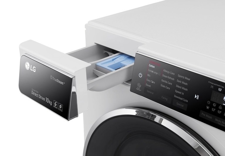 Pojemnik na proszek jest przykryty panelem sterującym /materiały prasowe