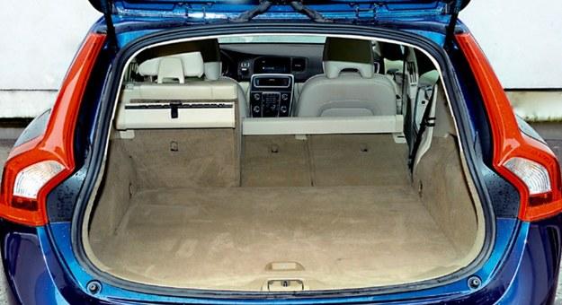 Pojemność bagażnika wersji kombi wynosi 430 l i w standardzie nie ma koła zapasowego, tylko zestaw naprawczy. /Motor