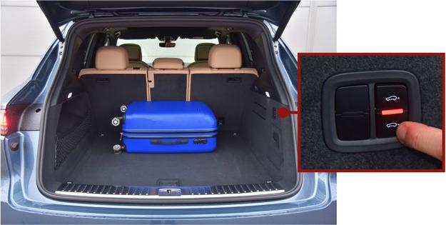Pojemny, 770-litrowy bagażnik ma regularny kształt i dodatkowe schowki. Przydatne: klawiszami w burcie można opuścić tył auta. /Motor