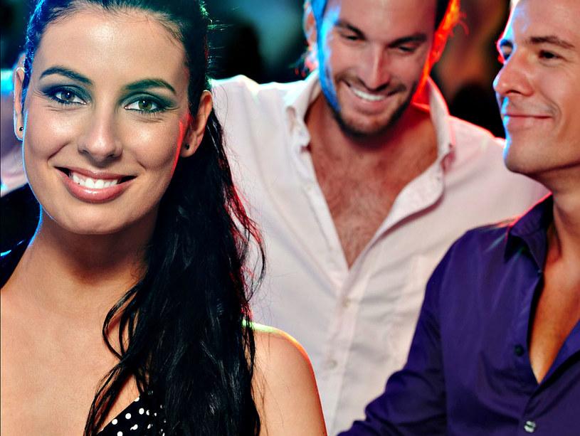Pokaż jej, że potrafisz tańczyć - od razu staniesz się atrakcyjniejszy w jej oczach! /123RF/PICSEL