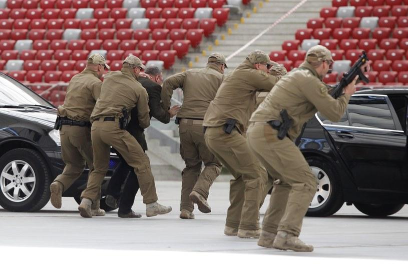 Pokaz Żandarmerii Wojskowej na PGE Stadion Narodowy przed szczytem NATO /Stefan Maszewski /Reporter