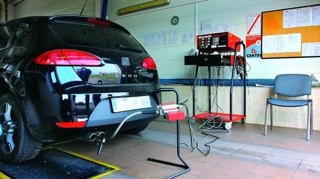 Póki procedury badań  zadymienia się nie zmienią, auta z wyciętymi filtrami nie będą nikogo obchodzić. /Motor