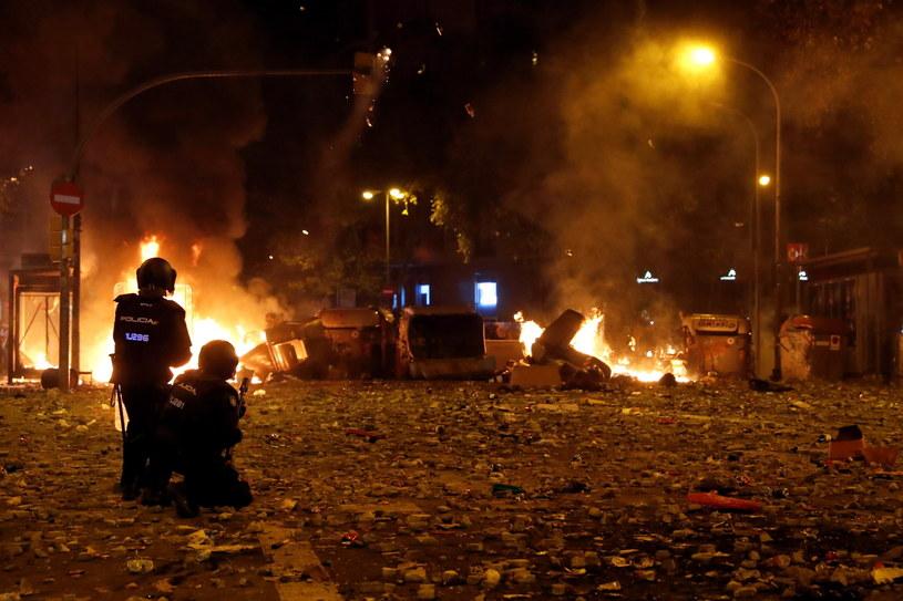 Pokojowy marsz zamienił się w brutalne starcia /TONI ALBIR /PAP/EPA
